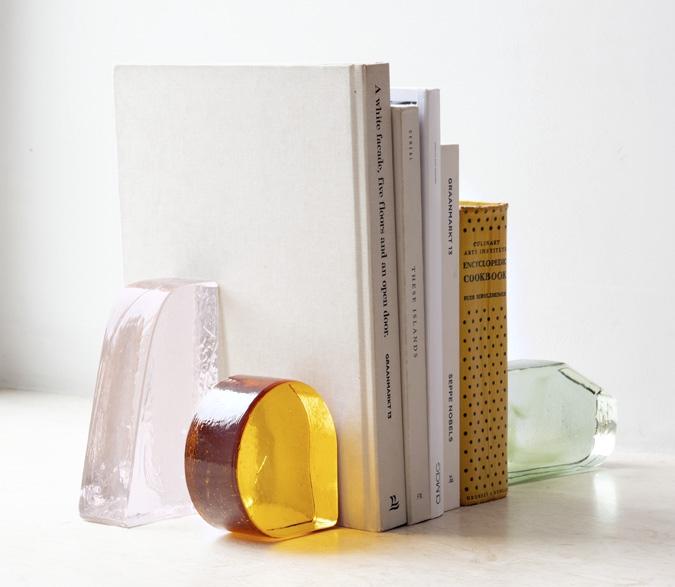Schönbuch Design Buchstützen Cinema Glas massiv Jonathan Radetz Antonia Henschel Schönbuch design bookends glass solid Jonathan Radetz Antonia Henschel