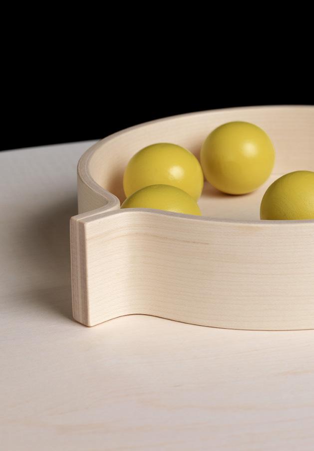 Schönbuch Design Tablett Kaede rund Holz schwarz Hanne Willmann Schönbuch design tray Kaede round wood black Hanne Willmann