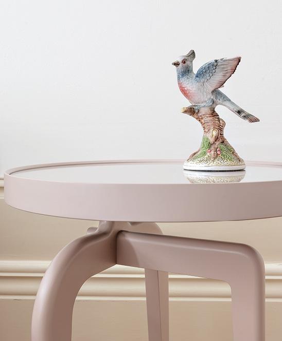 Schönbuch Design Beistelltisch Ant rund Massivholz rosa Glasplatte Bodo Sperlein Schönbuch design side table Ant round solid wood rose glass top Bodo Sperlein