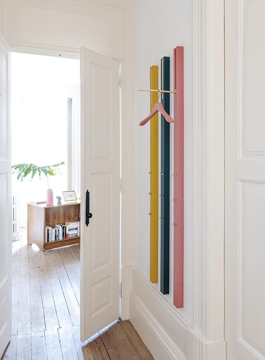 Schönbuch Design Wandgarderobe Line minimalistisch individuell Holz Apartment 8 Schönbuch design wall-mounted coat rack Line minimalist individual wood Apartment 8