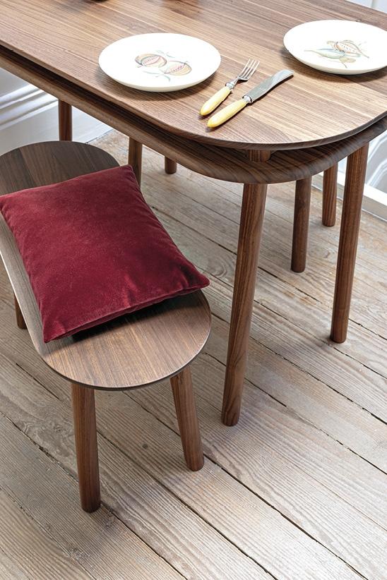 Schönbuch Design Tisch Bureau Holz Nussbaum vielseitig Ablagefläche Earnest Studio Schönbuch design table Bureau wood walnut versatile storage space Earnest Studio